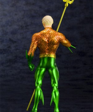 ARTFX+ PVC Szobor 1/10 Aquaman (The New 52) 19 cm