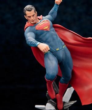 DC Comics - Batman v Superman ARTFX+ Szobor 1/10 Superman 25 cm