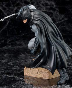 xktosv100 DC Comics ARTFX+ PVC Statue 1/10 Batman (Batman Arkham City) 16 cm