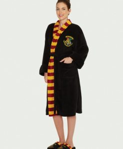 Hogwarts_Womens_Bathrobe_Front_Harry Potter köntös - Hogwarts (Roxfort) női