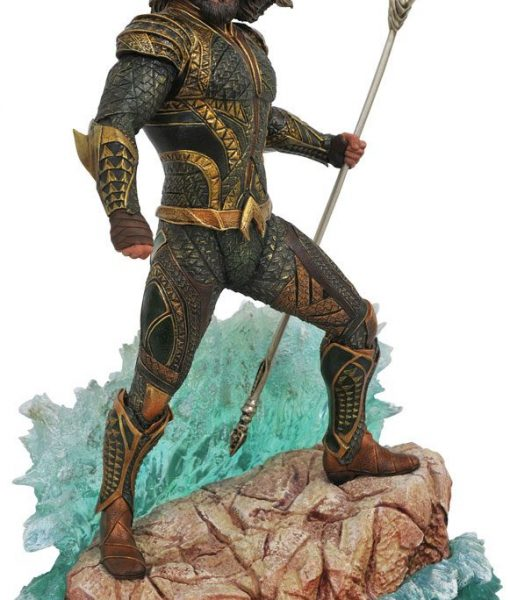 Justice League Movie DC Gallery PVC Szobor - Aquaman (23cm)
