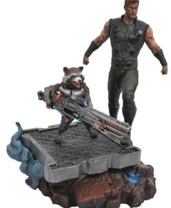 x_diamapr182163 Avengers Infinity War Marvel Premier Collection Statue Thor & Rocket Raccoon 30 cm