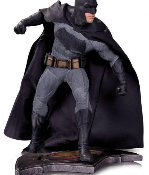 x_dccaug150303 Batman v Superman Dawn of Justice Statue Batman 36 cm
