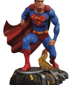 x_diamapr182181 DC Gallery PVC Szobor - Superman (25cm)
