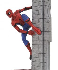 d_diamaug172644 Spider-Man Homecoming Marvel Gallery PVC Szobor - Spider-Man 25 cm