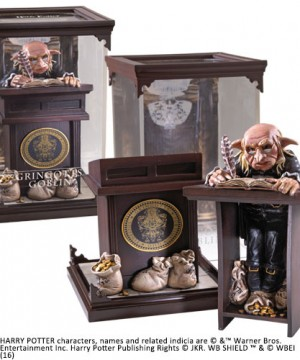 Harry Potter Magical Creatures Statue Gringotts Goblin 19 cm
