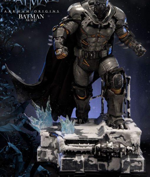 DC Comics - Arkham Origins Batman XE Suit (79cm)