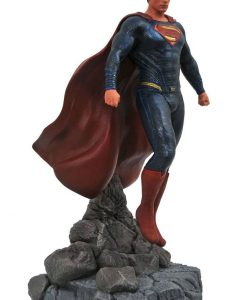 Justice League Movie DC Gallery PVC Szobor - Superman (23cm)