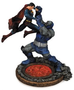 xdccapr140310 DC Comics Statue Superman vs. Darkseid 2nd Edition 32 cm