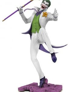 d_dccmar188772 DC Comics DC Core PVC Szobor - The Joker White Variant EU Exclusive 28 cm