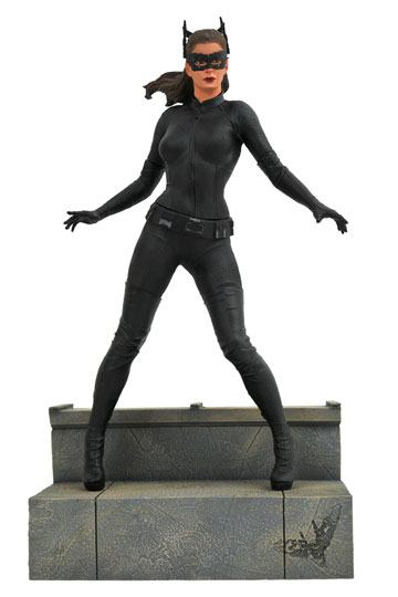 d_diamjan192546 The Dark Knight Rises DC Movie Gallery PVC Szobor - Catwoman 23 cm